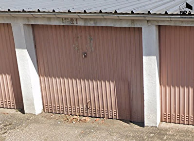 GARAGE 18 M² EAUX VIVES LURE